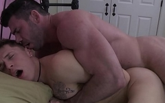 IconMale Muscle Bear Daddy Sneaks In College Boy&rsquo_s Room !